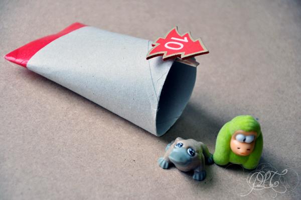 Calendrier de l'avent rouleau de papier toilette décoré