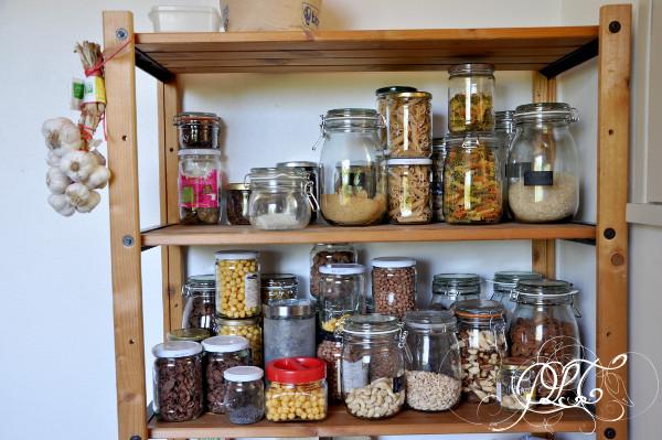 Prendre le temps - Nouvelle maison - cuisine - pots en verre - vrac