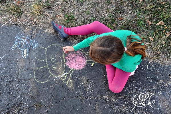 Prendre le temps - Anniversaire Titechérie - craies sur trottoir