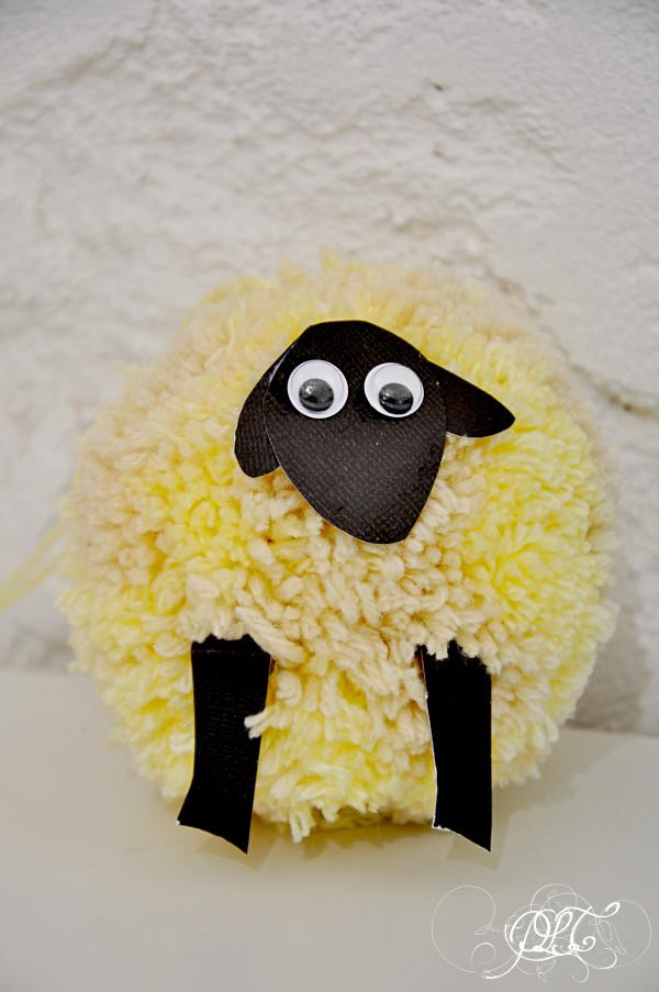 Prendre le temps - Voyageons Ludique - Irlande - mouton - pompon