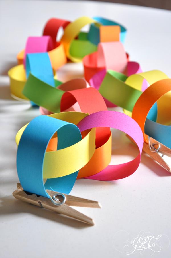 Prendre le temps - Guirlande en papier arc-en-ciel - DIY - décoration de Noël
