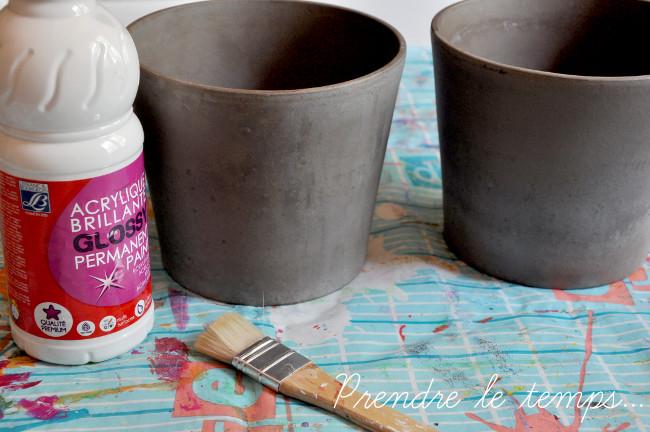 Prendre le temps - Cache-pot peint au papier crépon