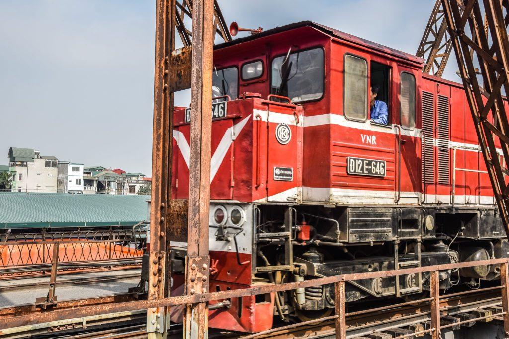 train pont bien Hanoi