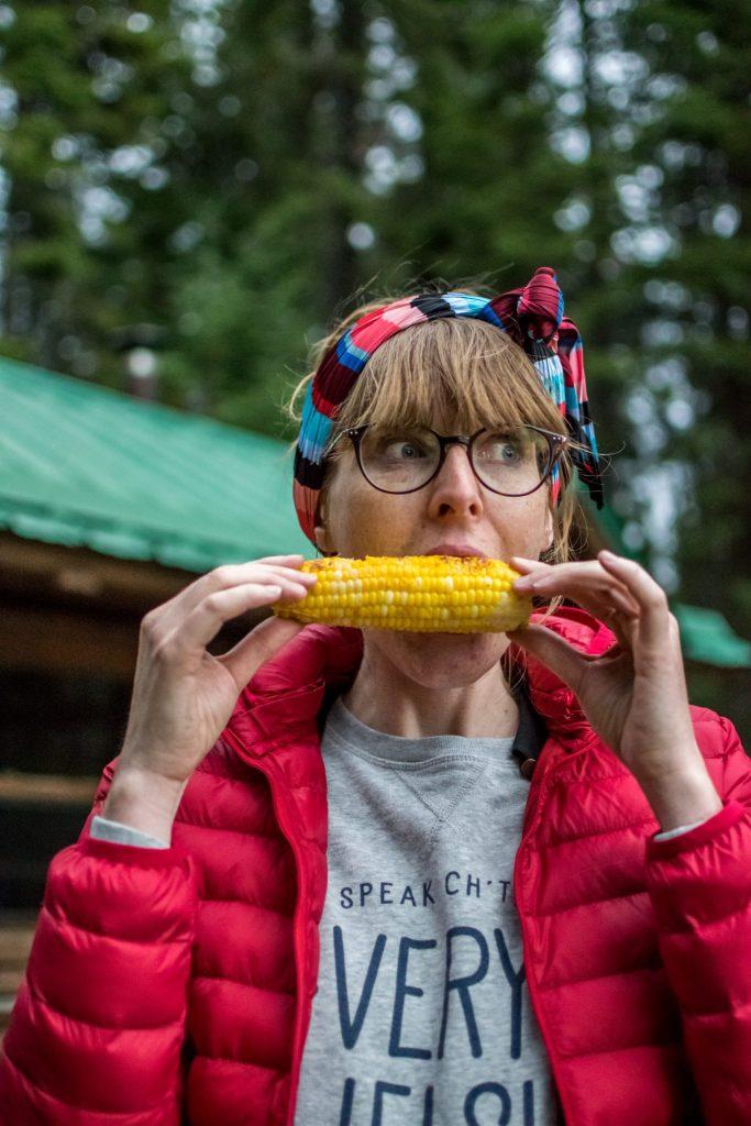femme maïs camping