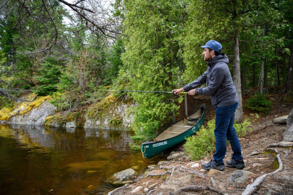 pêcheur poisson blanc