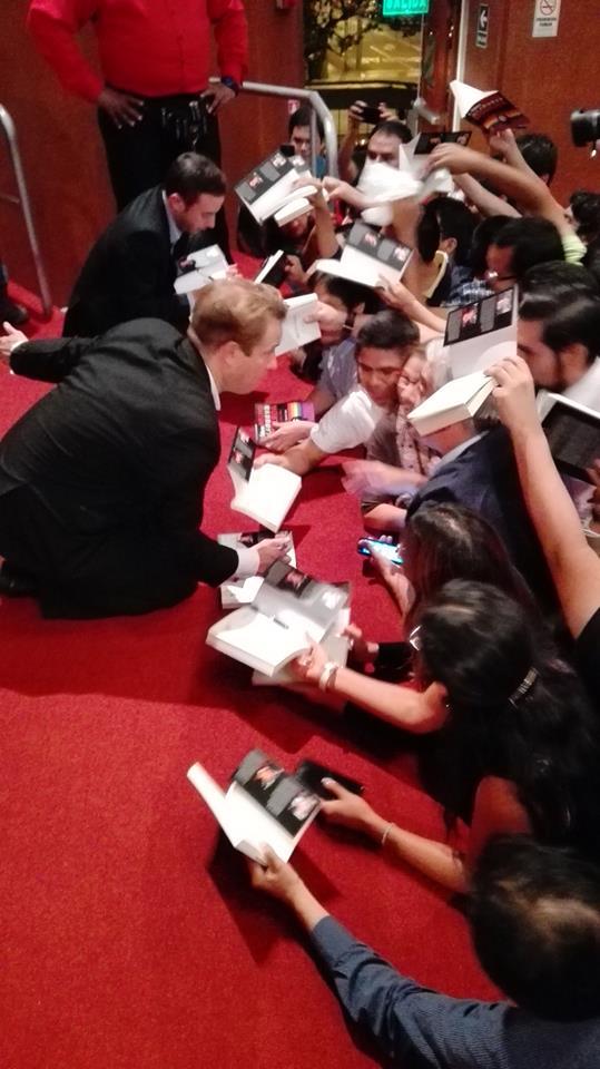 Mini-documental: así fue la masiva gira de Márquez y Laje por Perú