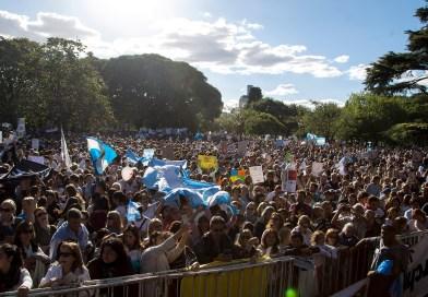 VIDEO DE LA DERROTA ABORTISTA: 2 millones de argentinos en 250 ciudades dijeron SÍ A LA VIDA