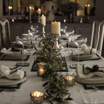 christmas garland tables
