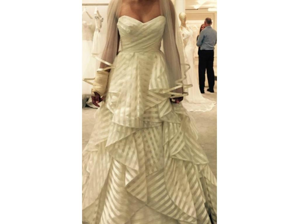 Hayley Paige 6315, $2,500 Size: 10