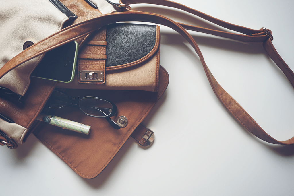 Items to Consider Removing from Your Purse - PreparaMom