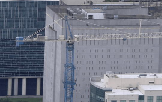 miami cranes may collapse hurricane irma