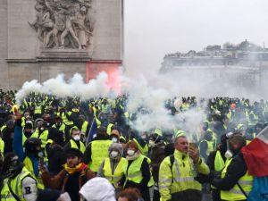 War in Paris: Riots Rock City…Tear gas, mass arrests
