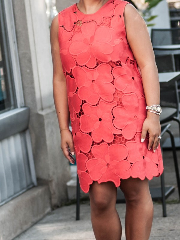 red CYNTHIA ROWLEY OVERSIZED FLORAL LACE SLEEVELESS SHIFT DRESS