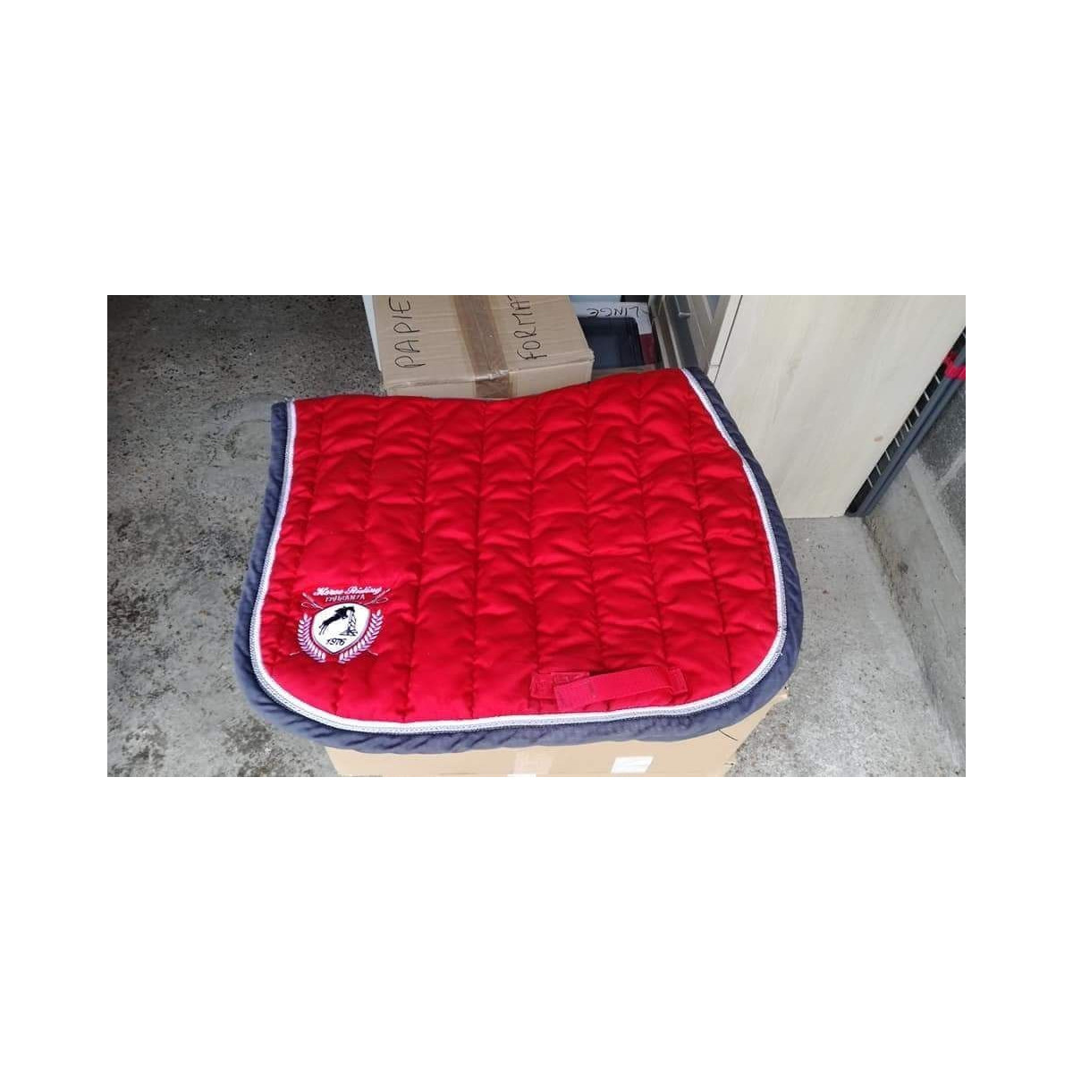 tapis fouganza rouge taille cheval