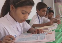 Over 10 lakh Lucknow students read books for 45 minutes on Gandhi Jayanti to set world record