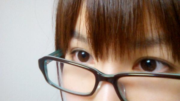 メガネがよくずり落ちる人