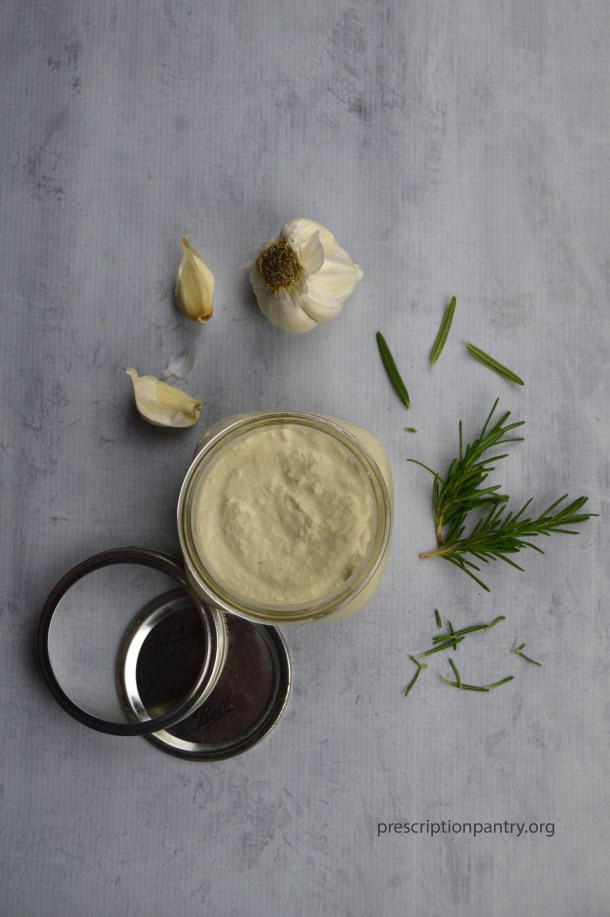 rosemary garlic cashew cream sauce mason jar