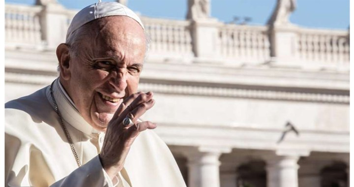 El Papa Francisco anima a vivir con esperanza la comunión de los santos