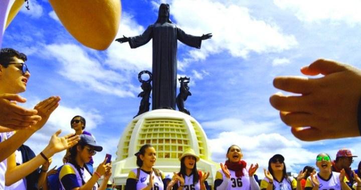 """México: 50 mil jóvenes en peregrinación a la """"montaña de Cristo Rey"""""""