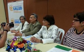 El secretario del Departamento de Salud, Francisco Joglar Pesquera convocó un 'task force' cuya primera acción fue lograr reunir el viernes más de un centenar de profesionales de la enfermería en el 'Taller sobre vigilancia y control de influenza en las escuelas'. (Foto / Suministrada)