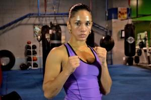 Amanda posando en gym de NY