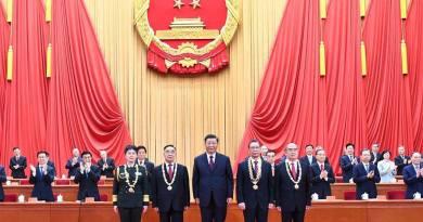 China anuncia 'difícil, pero histórica' victoria sobre el virus'