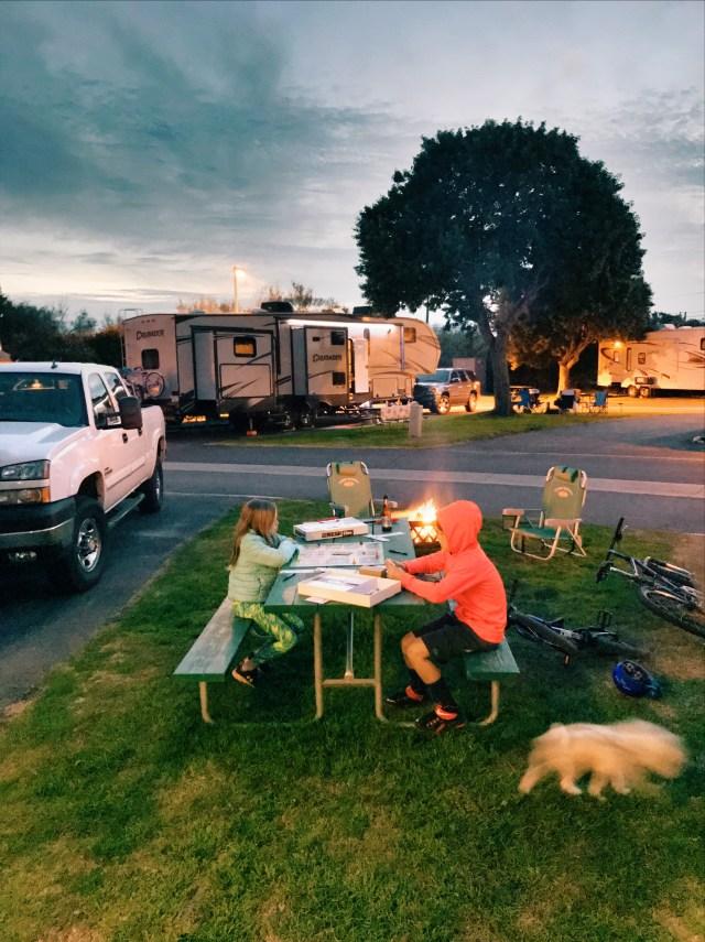 campfire-camping-family