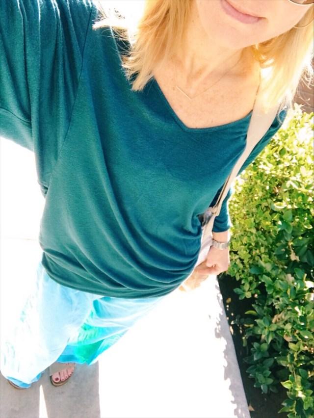 relaxed-daywear-poolside