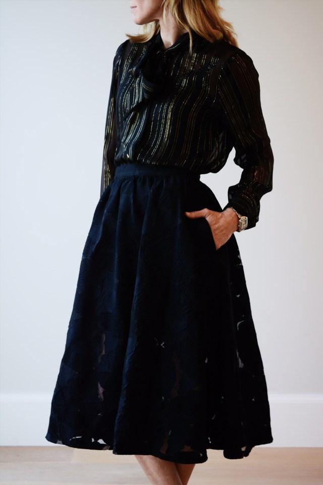 frame-blouse