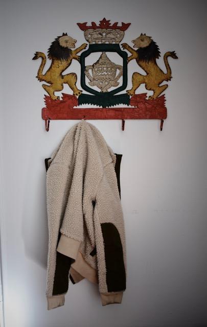 lion-crest-coat-hooks