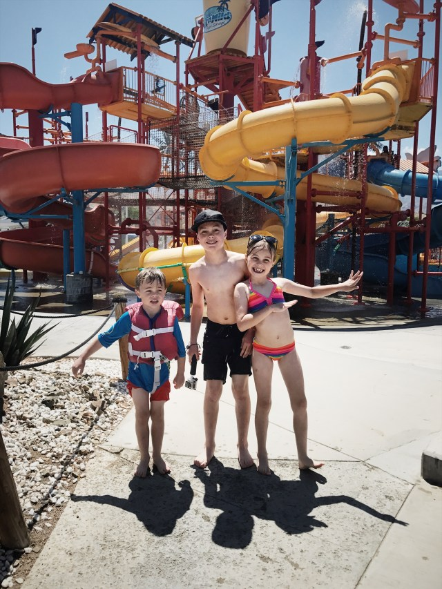 family-trip-water-park
