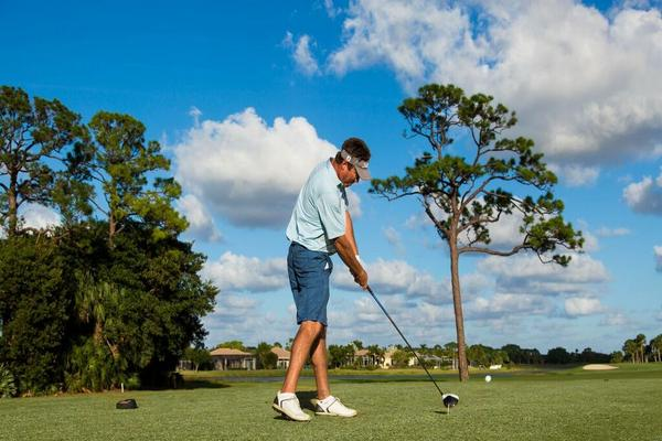 Essential Golf Tips for Beginners  - http://preserveatironhorse.com/essential-golf-tips-beginners/