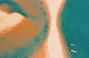 Top-view of a sandbar