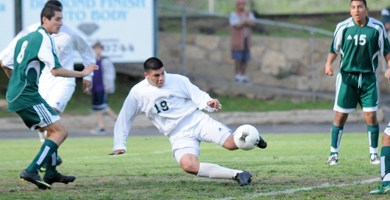 Bench boosts Dons into CIF semifinals
