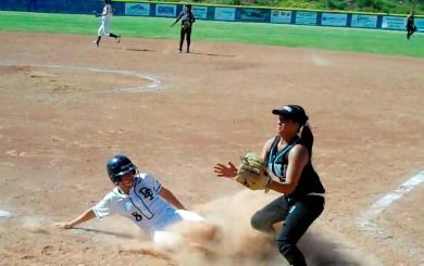 DP blanks Buena, takes inside track toward a league title