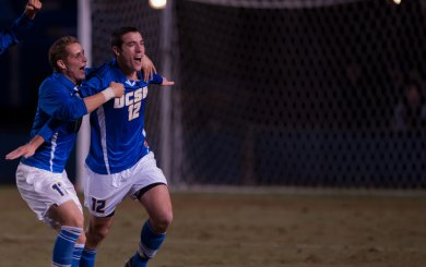 Pontius scores from distance; Gauchos score a must win