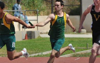 Poindexter, Scarvelis, Zerrenner shine at Easter Relays