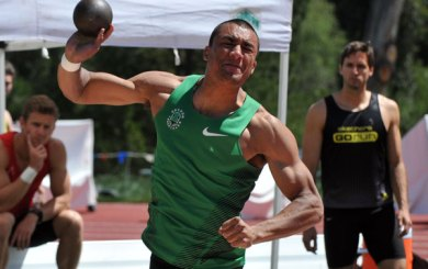 Press Luncheon: Ashton Eaton has close call with javelin