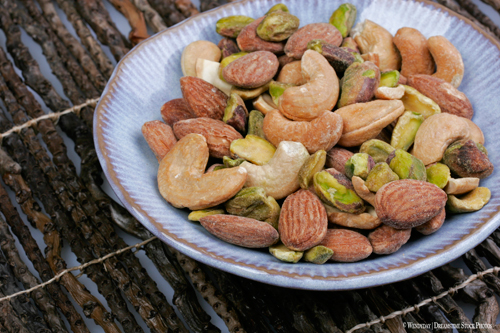 Mixed-Nuts-Nutrition-Athletes