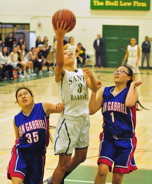 Jada Howard gets Santa Barbara going with her defense.
