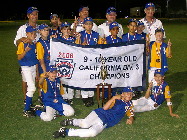 Buddy with the DPLL 9-10 year old team that won a State Championship in 2006. (Photo Courtesy of Rohde Family)