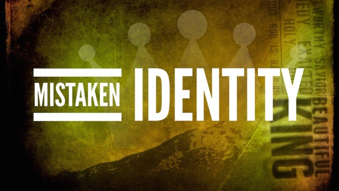 The Mistaken Identity - S01 E08