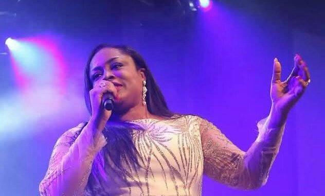 Sinach – I Humbly Bow mp3 download