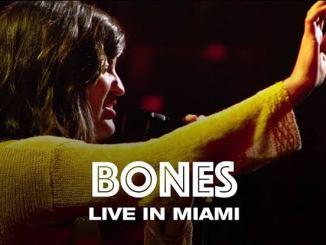 Hillsong United – Bones mp3 download