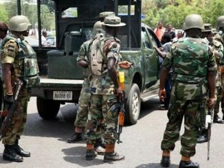 Policeman Slaps Soldier In Aba See what the Soldier Did