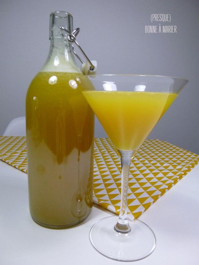 Cocktail rhum ananas passion et touche banane