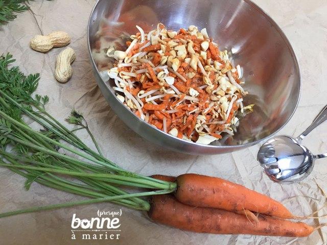 Salade croquante et hyper simple de carottes, soja et cacahuètes
