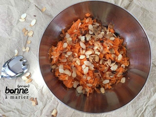 Salade de carottes, pomme et amandes au miel