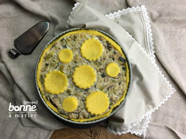 Tarte à la fondue de poireaux et champignons sur fond de polenta