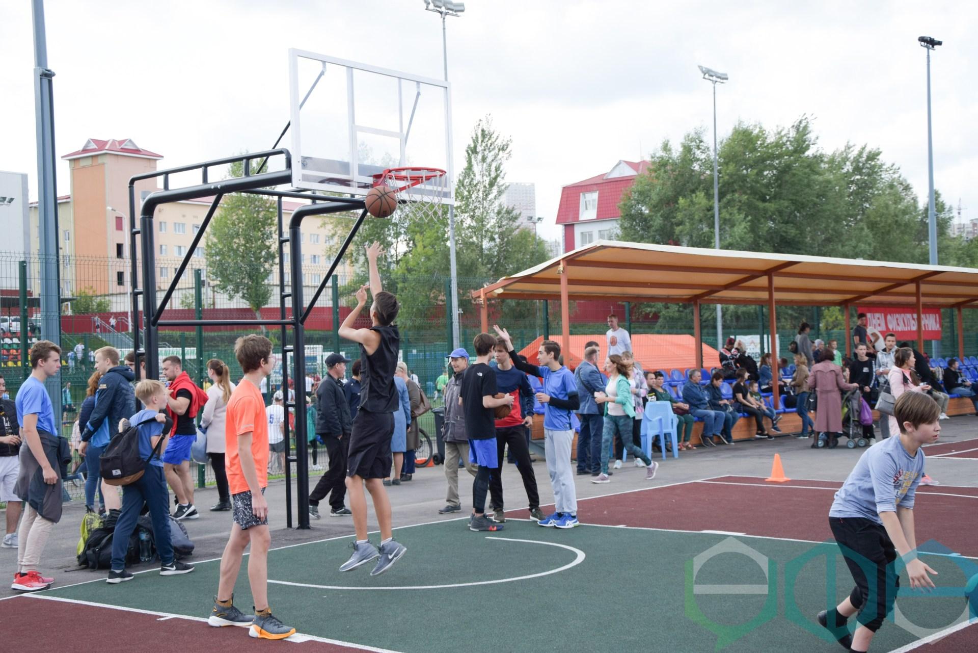 В парке «Кашкадан» прошёл День физкультурника